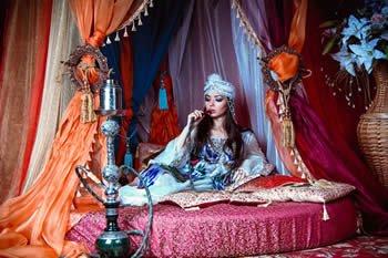 Orientalisch angehauchte Shisha-Modelle stehen derzeit wieder voll im Trend.