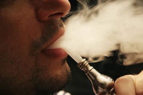 shisha rauchen mann detail